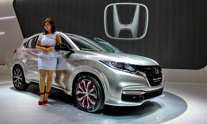 16. Review Honda HRV 2018